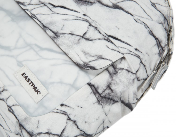 padded pak'r - eastpak - marbre - sac à dos