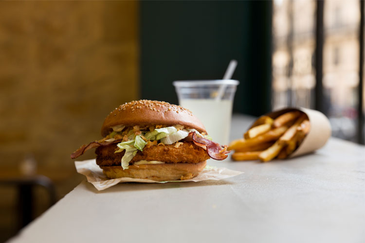 chicken burger bioburger healthy paris lappoms lifestyle blog