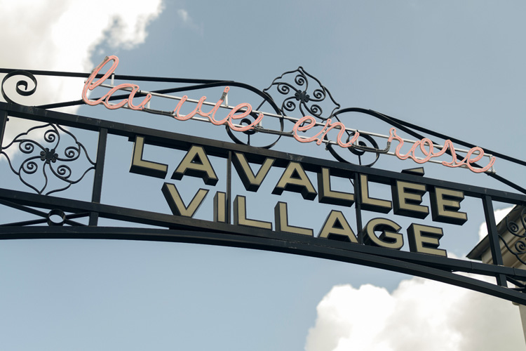 la vallee village la vie en rose parcours street art lappoms lifestyle blog Gilles-Petipas jonone mr chat l'atlas